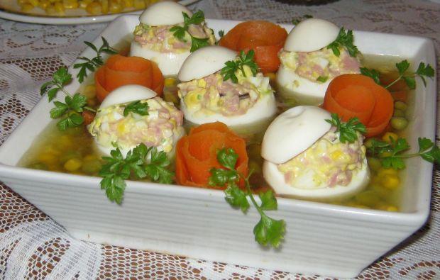 Faszerowane jajka w galarecie