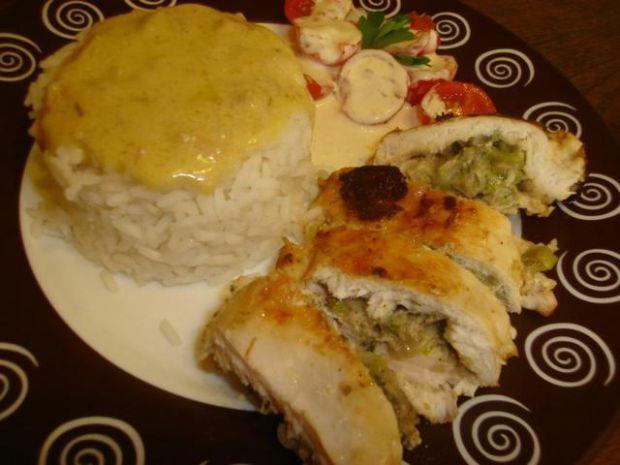 Faszerowany kurczak + ryż + pomidorki