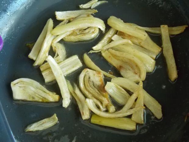 Fenkuł w sosie z soczewicy