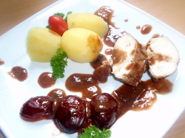Filet w sosie śliwkowym
