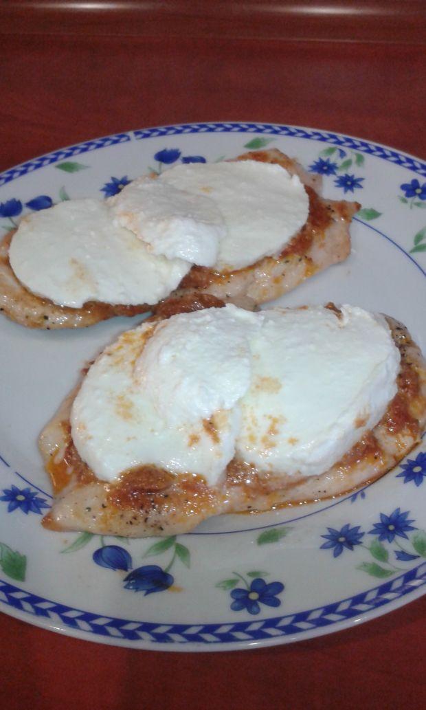 Filet z kurczaka z pesto i serem