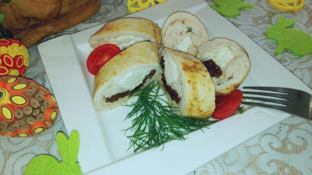 Filet z suszonymi pomidorami i serem feta