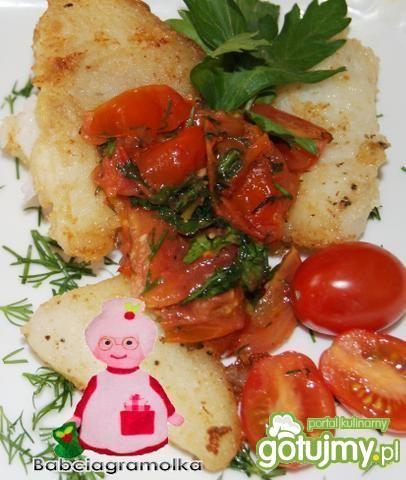 Filety z halibuta z duszonymi pomidorkam