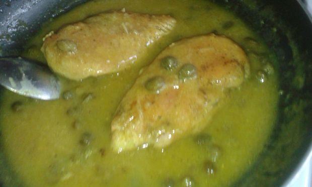 Filety z kurczaka w sosie kaparowym
