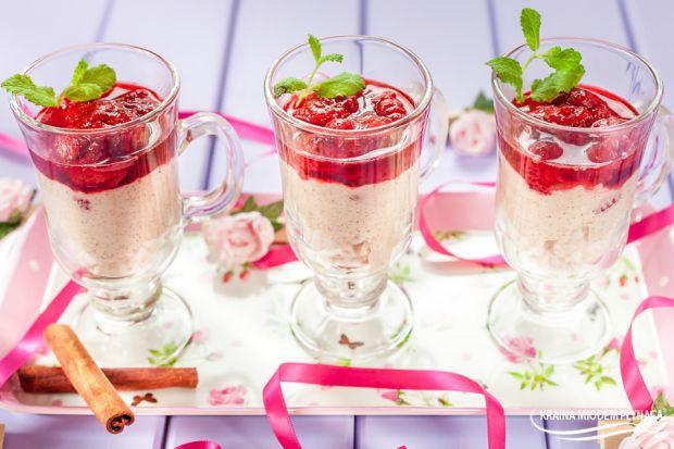 Fit deser- z waflami, jogurtem i truskawkami