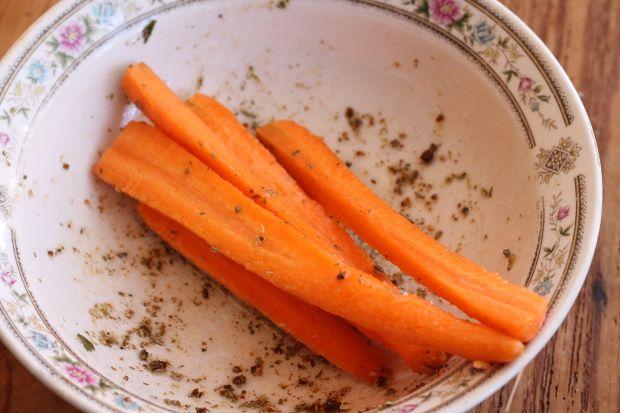 Flądra zapiekana z warzywami