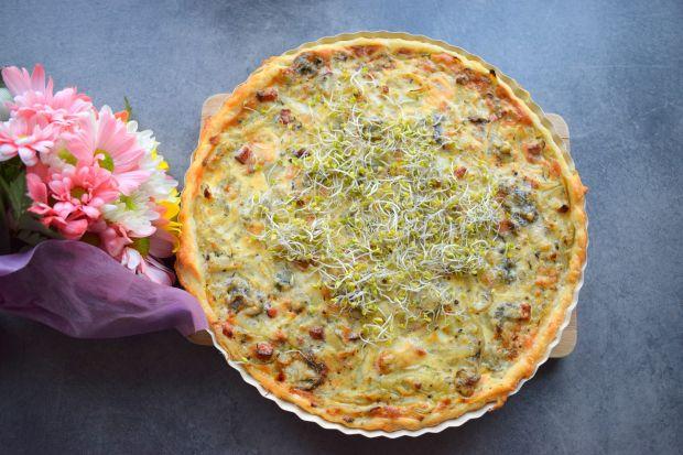 Francuska tarta cebulowa z boczkiem i gorgonzolą