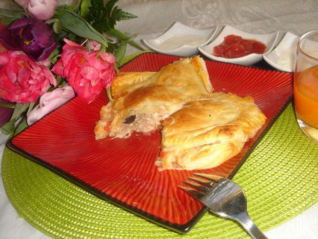 Francuskie pizzeriny z tuńczykiem
