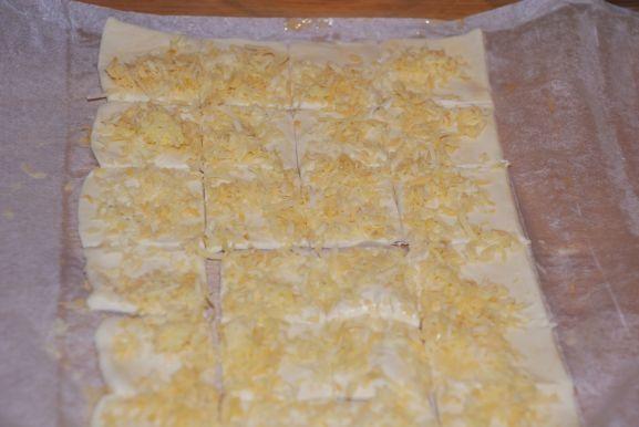 Francuskie poduszeczki z serem i czarnuszką