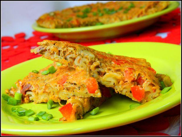 Frittata makaronowa z nutką curry