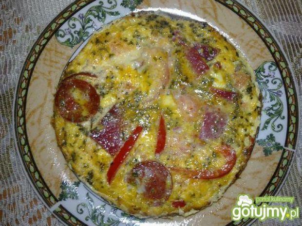Frittata z salami i warzywami