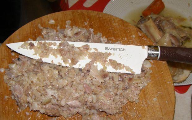 Galaretka wieprzowa w szybkowarze gotowana.