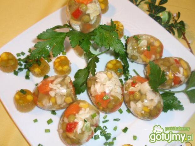 Galaretki z kury w kształcie jajka