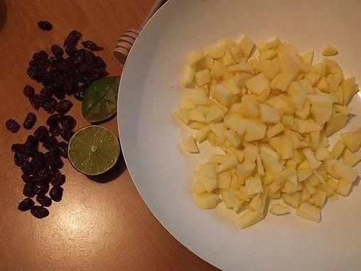 Gęś z sosem jabłkowo-żurawinowym i oscypkiem
