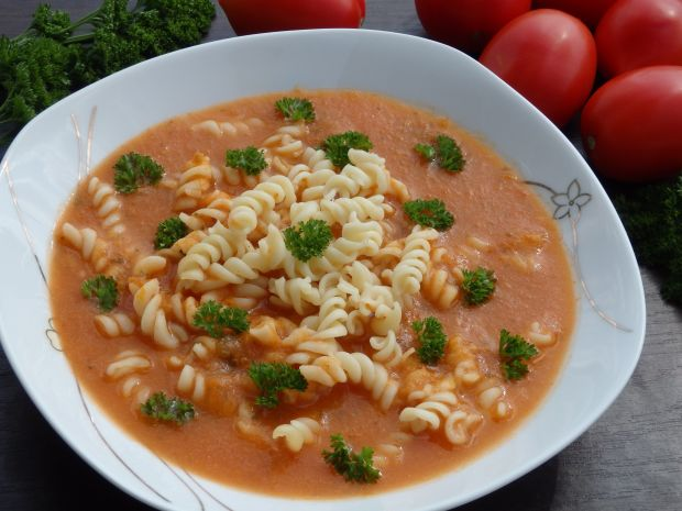 Gęsta zupa pomidorowa ze świeżych pomidorów