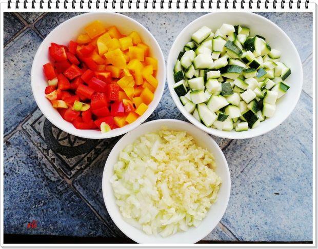 Gicz wołowa Eli z warzywami