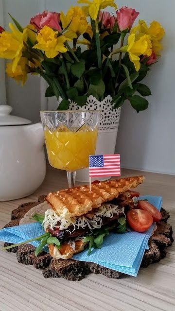 Gofrowy sandwich z piersią kurzęcą glazurowaną rok