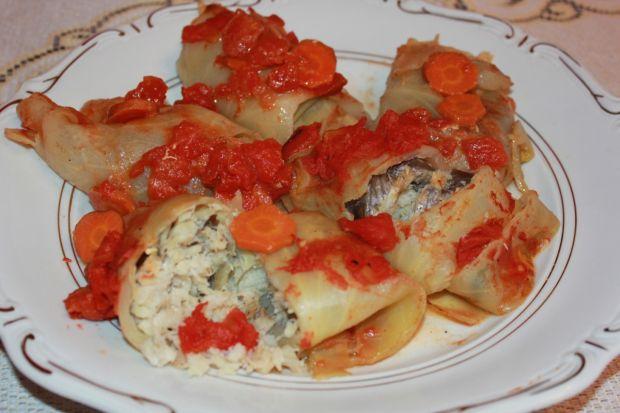 Gołąbki rybne  w pomidorach