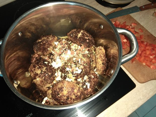 Gołąbki w sosie pomidorowo-paprykowym