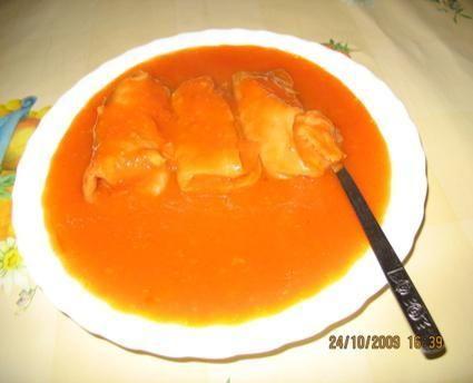 Gołąbki z ryżem i grzybami+sos pomidorow