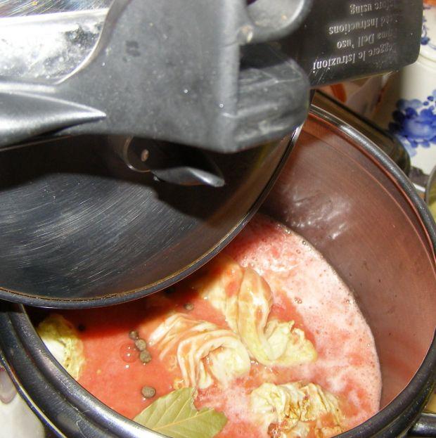Gołąbki ze świeżymi pomidorami w szybkowarze