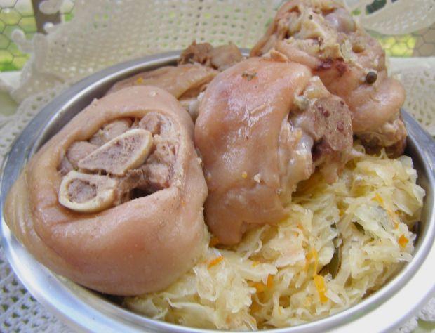 Golonki gotowane w szybkowarze z kapustą kiszoną