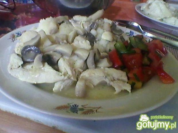 Gotowana pierś z kurczaka