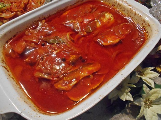 Gotowane marynowane pomidorowe śledzie