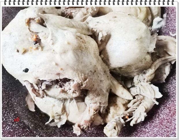 Gotowane mięso kurczaka Eli w słoikach