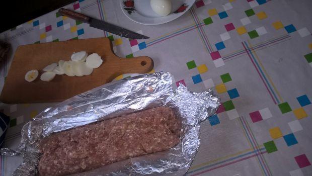 Gotowany klops z jajkiem