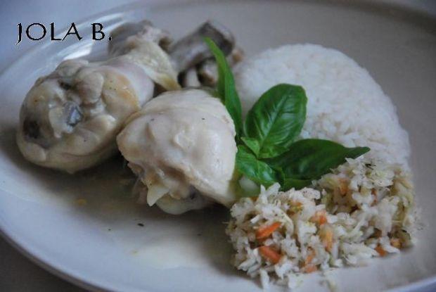 Gotowany kurczak w białym sosie