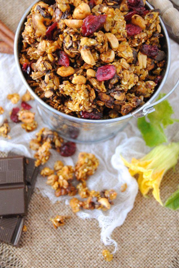 Granola dyniowo- czekoladowa