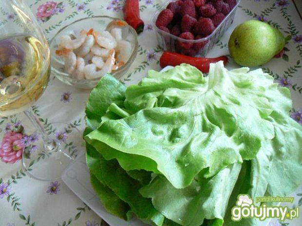 Grillowana gruszka z krewetkami z sosem