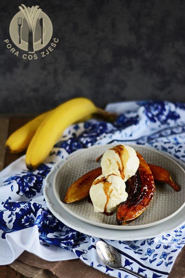 Grillowane banany z lodami waniliowymi z whisky