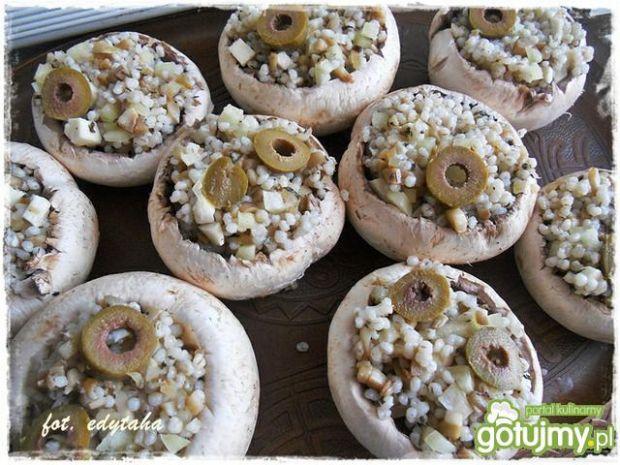 Grillowane pieczarki faszerowane kaszą