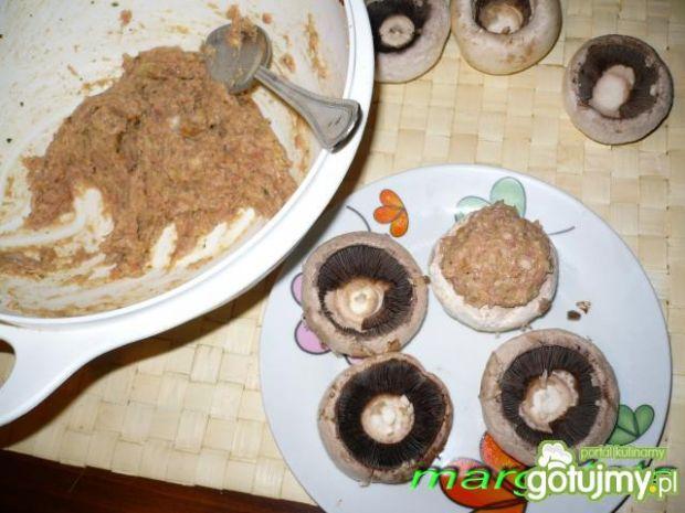 Grillowane pieczarki z mięsem