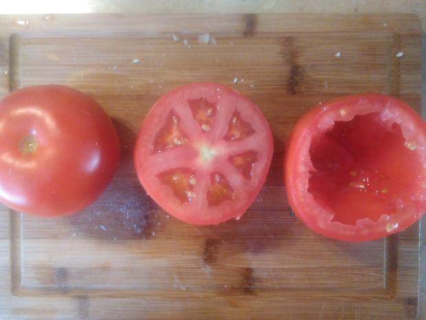 Grillowane pomidory faszerowane mięsem i fetą