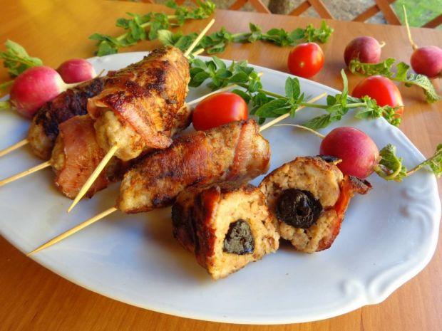 Grillowane szaszłyki z mięsa mielonego drobiowego