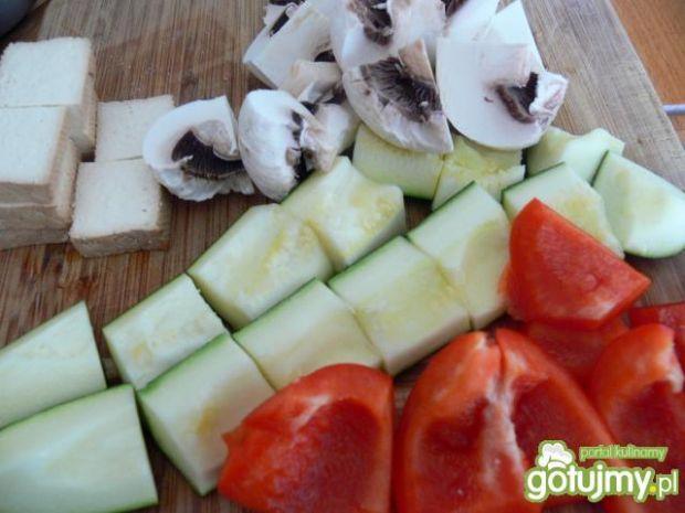 Grillowane szaszłyki z wędzonym tofu