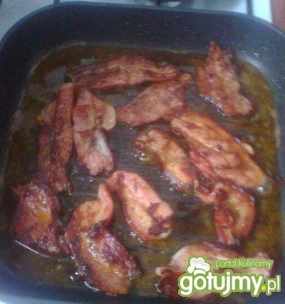 grillowany boczek z cebulą