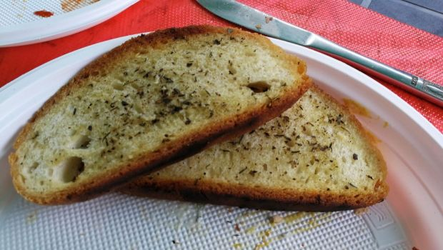 Grillowany chleb w ziołach prowansalskich