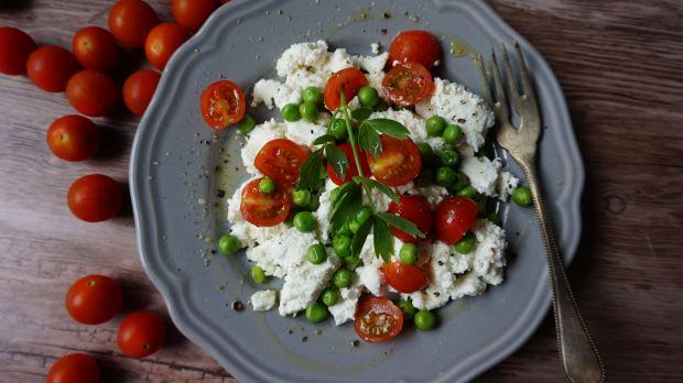 Groszek z ricottą i pomidorkami