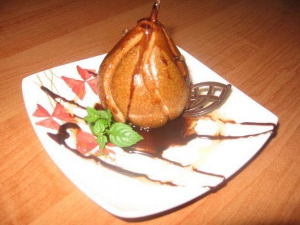 Gruszki pieczone w sosie czekoladowym