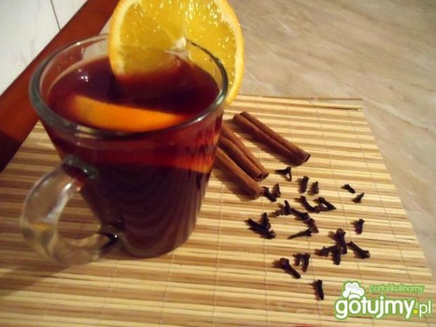 Grzane wino z pomarańczą i przyprawami