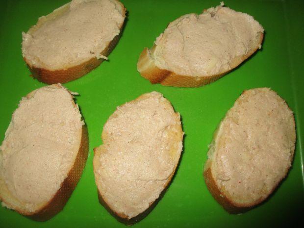 Grzanki z szynką i serem