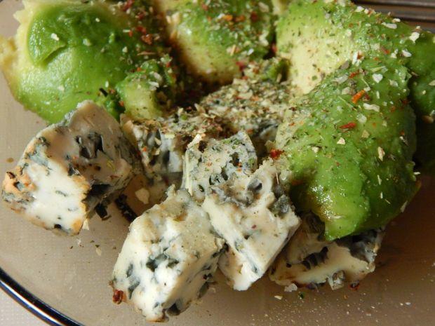 Guacamole z gorgonzolą i tabasco