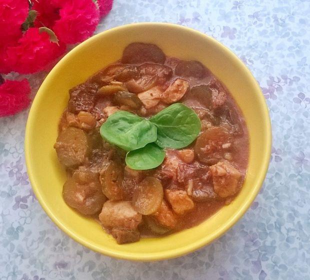 Gulasz drob. z kiszonym ogórkiem i susz. pomidoram