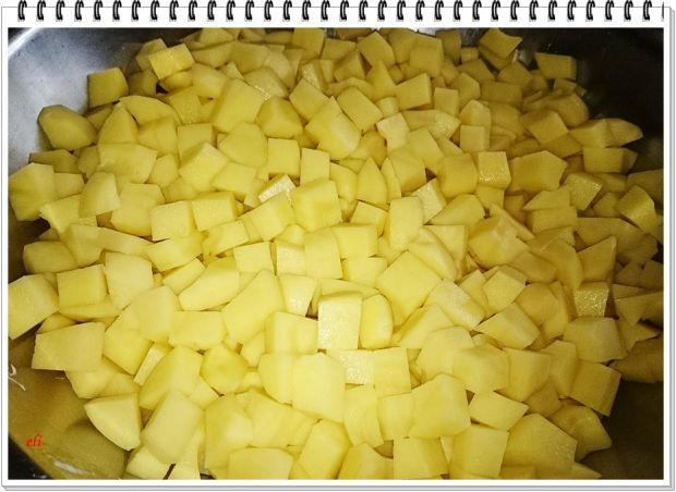 Gulasz  Eli z ziemniaków i kiełbasy