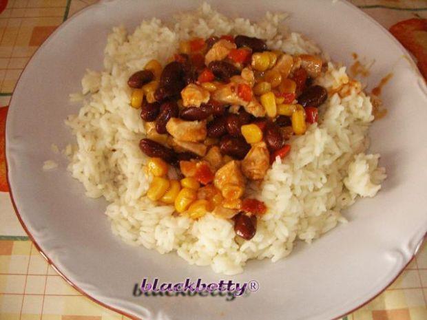 Gulasz meksykański z ryżem