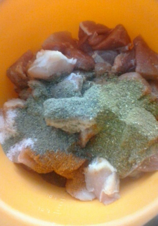 Gulasz pieczony z łopatki z marchewką
